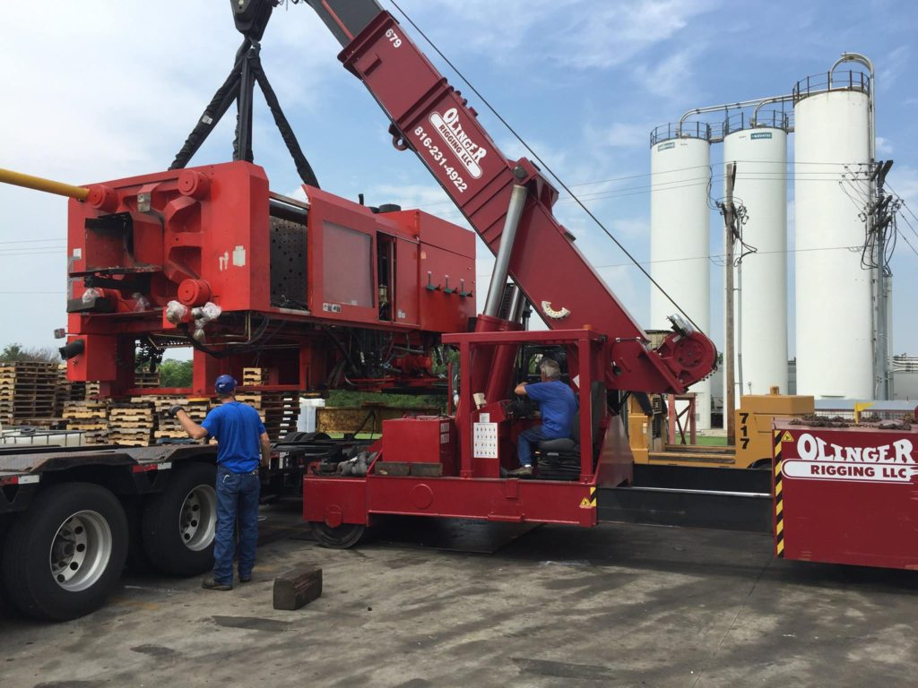 75 Ton Mobilift loading 127,000 lbs. injection molding clamp